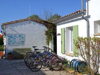 Cozy 2 bedroom House in Les Portes-en-Re - Les Portes-en-Re vacation rentals