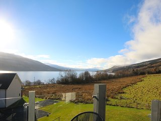 Beautiful mews house on Loch Tay with stunning views - Fearnan vacation rentals