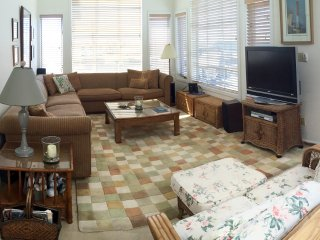 Huge Bay View Condo - Great for Extended Family  Perfect Location in Beach Haven - Beach Haven vacation rentals