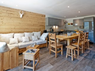COURCHEVEL 1650 LUXURY APARTMENT  13 PERSONS SKI IN/OUT NEW - Courchevel vacation rentals
