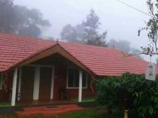 Spacious Cottage with A/C and Satellite Or Cable TV - Ponnampet vacation rentals