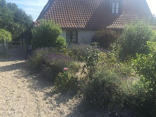 La petite barn --a beautifully renovated barn 1 hr from Calais-very peaceful - Hesdin vacation rentals