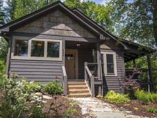 Cozy 2 bedroom Boone House with Internet Access - Boone vacation rentals