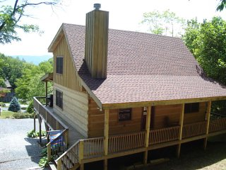 3 bedroom Cabin with Internet Access in Sugar Grove - Sugar Grove vacation rentals