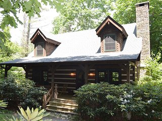 2 bedroom Cabin with Mountain Views in Blowing Rock - Blowing Rock vacation rentals