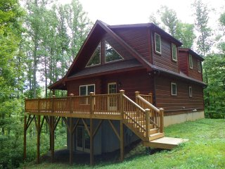 Lovely 3 bedroom Cabin in Valle Crucis - Valle Crucis vacation rentals