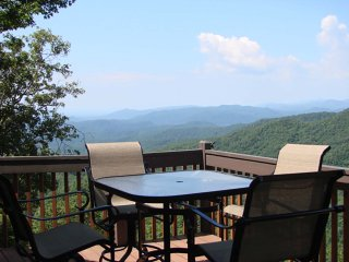 Perfect 4 bedroom Lenoir House with Internet Access - Lenoir vacation rentals