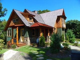 Comfortable 4 bedroom Blowing Rock House with Internet Access - Blowing Rock vacation rentals