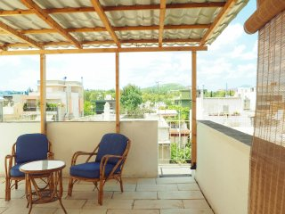 Vintage 3-bedroom House 15-Minutes From Centre - Chalandri vacation rentals