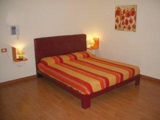 Bright 1 bedroom Vacation Rental in Palermo - Palermo vacation rentals