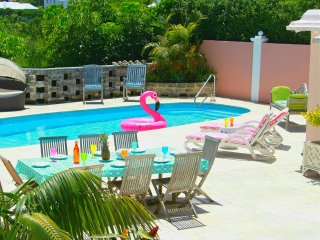 Chill, Relax at Cottage Priv. Pool & Tennis near Hamilton - Paget vacation rentals