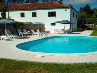 Nice House with Shared Outdoor Pool and Balcony - Barcelos vacation rentals