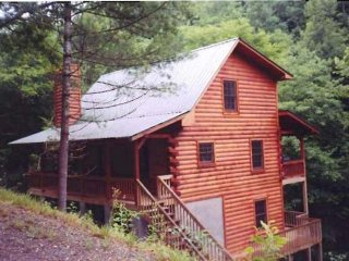 Jaar's Crossing- Tusquittee Creekfront Home - Hayesville vacation rentals