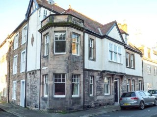 10 PALACE STREET EAST, central location, over three floors, original features - Berwick-upon-tweed vacation rentals