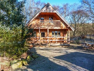 DEVERON LODGE woodburning stove, far-reaching views, near Huntly Ref 949002 - Huntly vacation rentals