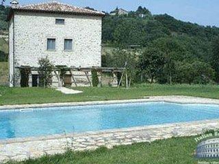 Villa in Umbria : Todi Villa Olivo 10 Guests - Sismano vacation rentals