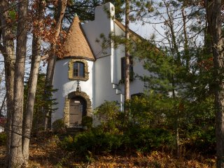 The Castle on Glen, a royal experience - Elmira vacation rentals