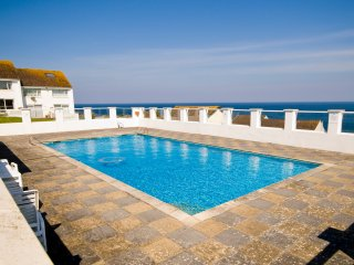 24 Surf View, Pentire, Newquay, Cornwall - Newquay vacation rentals