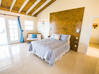 Amazing waterfront  Guest House with beautiful sunsets perfect for 4 adults - Providenciales vacation rentals