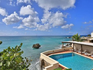Coral Breeze - Ideal for Couples and Families, Beautiful Pool and Beach - Beacon Hill vacation rentals