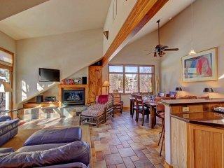 401 Creekside Townhome 2BR 3BA - Powderhorn vacation rentals