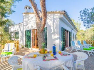 LLESCA - Chalet for 6 people in Cala S'Almonia - Cala Santanyi vacation rentals