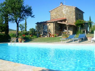 Spacious 5 bedroom House in Sorano with Central Heating - Sorano vacation rentals