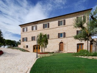La Collina - Tramontana - Monsampietro vacation rentals