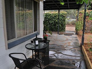 Lovely Bed and Breakfast with A/C and Television - Mintaro vacation rentals