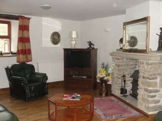 Delph Cottage and Threshings  two properties offering ample accomodation - Burnley vacation rentals
