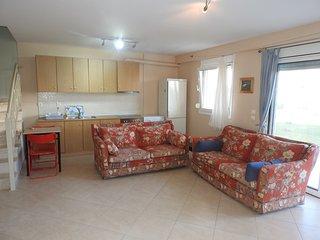 R44 Amazing maisonette in wonderful complex . - Nea Plagia vacation rentals