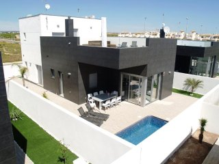 4 bedroom villa in Pilar de la Horadada with private pool - Alicante vacation rentals