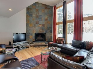 Stunning modern condo on golf course w/ mountain views & shared pool! - Beaver Creek vacation rentals