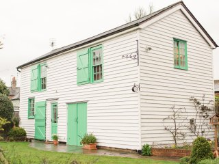 Nice House with Washing Machine and Television - Coggeshall vacation rentals