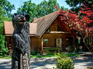 Log Home with Two Master Suites, Two Private Baths, WIFI - Ridgedale vacation rentals