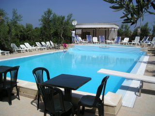 Appartamento Trilocale  vicino al mare, in residence con piscina - Defensola vacation rentals