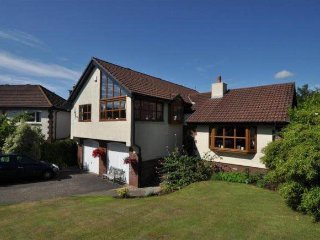 Beautiful 4 bedroom modernised villa in the countryside! - Largs vacation rentals
