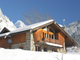 9 bedroom Chalet with Internet Access in Champagny-en-Vanoise - Champagny-en-Vanoise vacation rentals