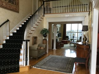 Beautiful KY Derby Home/15 miles from track - Prospect vacation rentals