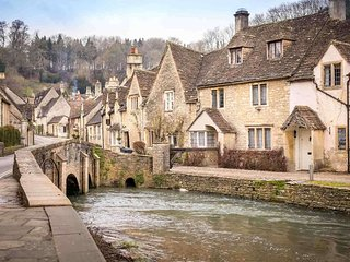 The Old Court House is one of the most striking cottages in the Cotswolds - Castle Combe vacation rentals