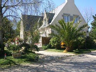Chez Renée et Raynal Chambres d'hôtes en Bretagne - Plounevez-Lochrist vacation rentals