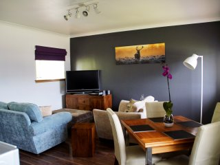 Refurbished luxury 2 bedroomed cottage - Huntly vacation rentals