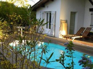 Suite Piscine et Balnéo Bassin d'Arcachon - Andernos-les-Bains vacation rentals
