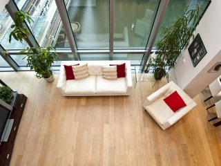 Luxury Stunning 3 bedrooms Apartment in Canary Wharf - Stratford City vacation rentals