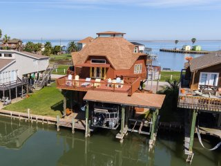 Treasure Island's Canal Favorite! - Freeport vacation rentals