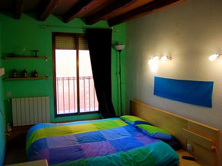Double Room Gran Via - Sol - Callao (Green) WE RENT A ROOM, NOT THE ENTIRE APT. - Madrid vacation rentals