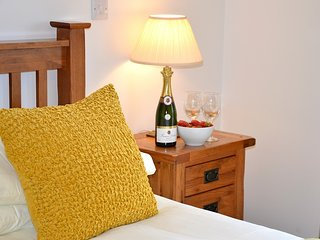 Willow Cottage - Self Catering Holiday Cottage Cornwall - Caerhays vacation rentals