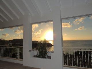 SUPERBE VILLA MONT CHOISY AU CALME - Saint Martin vacation rentals
