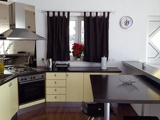 Beautiful 2 bedroom Selce Apartment with Internet Access - Selce vacation rentals