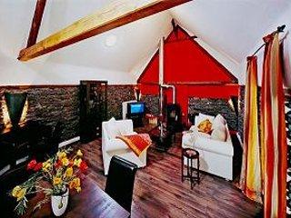 LLAG Luxury Vacation Apartment in Ediger - 753 sqft, historic, spacious, sauna - Ediger-Eller vacation rentals
